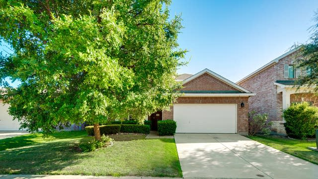 Photo 1 of 32 - 1012 Fredonia Dr, Forney, TX 75126