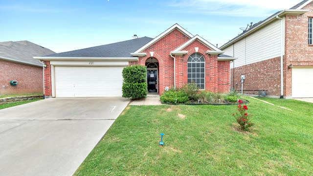 Photo 1 of 27 - 4725 Parkmount Dr, Fort Worth, TX 76137