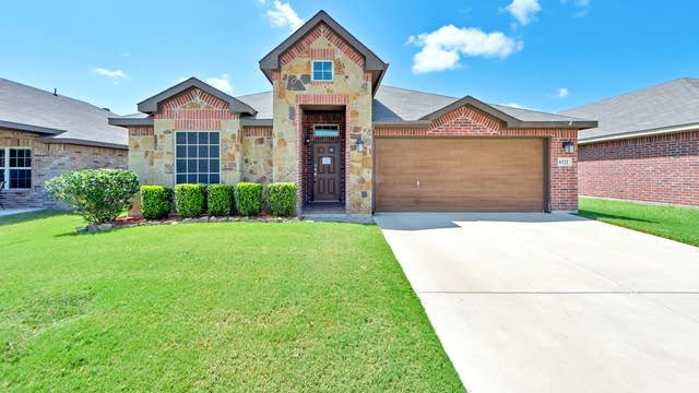 Photo 1 of 25 - 6521 Chalk River Dr, Fort Worth, TX 76179