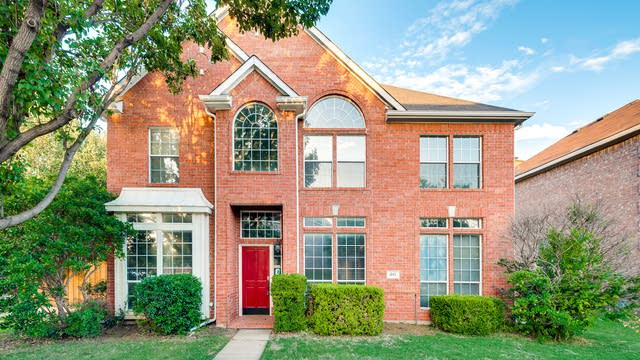 Photo 1 of 35 - 841 High Meadow Ct, Lewisville, TX 75077