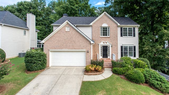 Photo 1 of 29 - 1539 Clydesdale Ct, Suwanee, GA 30024