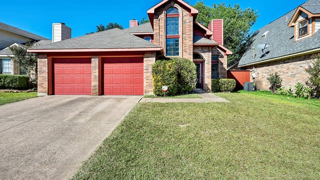 Photo 1 of 27 - 918 Thorton Dr, Cedar Hill, TX 75104