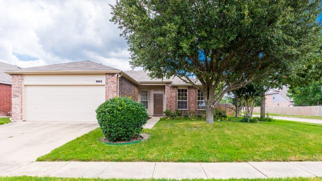 Photo 1 of 28 - 4944 Steeple Chase Ct, Grand Prairie, TX 75052