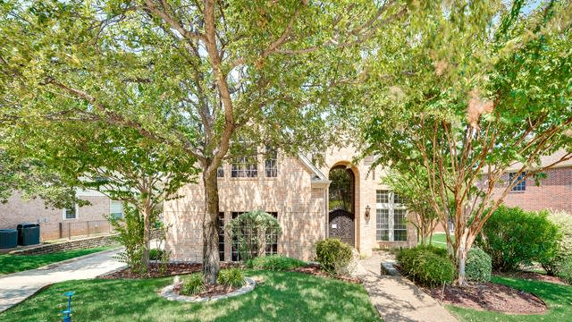 Photo 1 of 36 - 3308 Castlewood Blvd, Lewisville, TX 75077