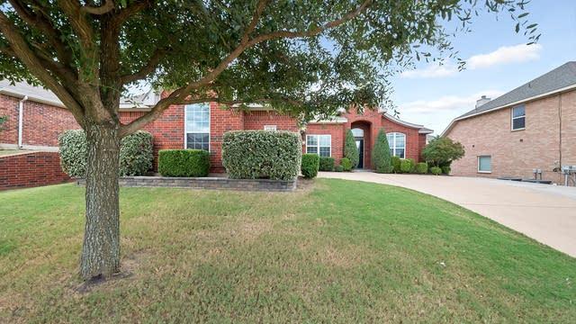Photo 1 of 27 - 1124 Hidden Meadow Dr, Burleson, TX 76028