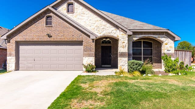Photo 1 of 26 - 526 Trailblazer Rd, Forney, TX 75126