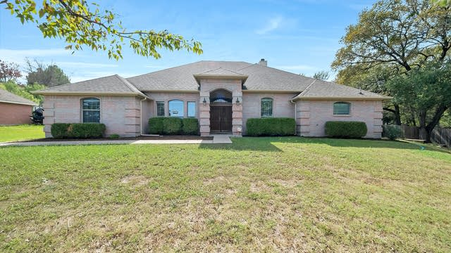 Photo 1 of 32 - 1105 NW Renfro St, Burleson, TX 76028