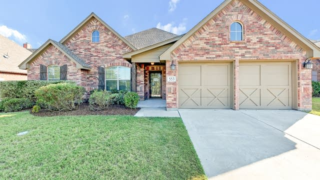 Photo 1 of 27 - 553 Sterling Dr, Fort Worth, TX 76126