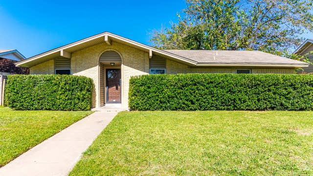 Photo 1 of 30 - 3605 Mosswood Dr, Garland, TX 75042