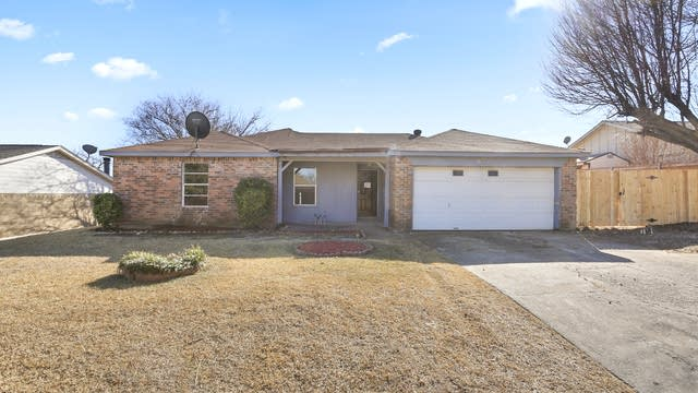 Photo 1 of 26 - 7009 Hanging Cliff Pl, North Richland Hills, TX 76182