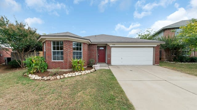 Photo 1 of 23 - 8145 Dripping Springs Dr, Fort Worth, TX 76134
