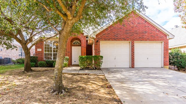 Photo 1 of 33 - 1615 Shadow Crest Dr, Corinth, TX 76210