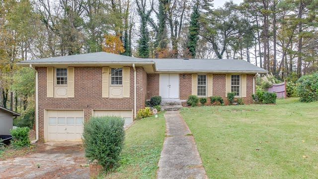 Photo 1 of 32 - 2163 Chevy Chase Ln, Decatur, GA 30032