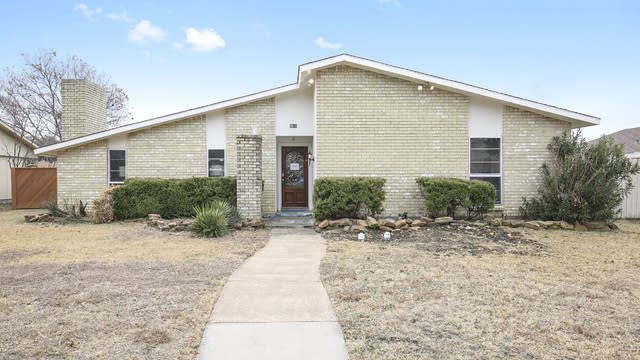 Photo 1 of 27 - 4816 Ash Glen Ln, The Colony, TX 75056