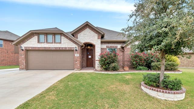 Photo 1 of 26 - 432 Commonwealth Dr, Fort Worth, TX 76179