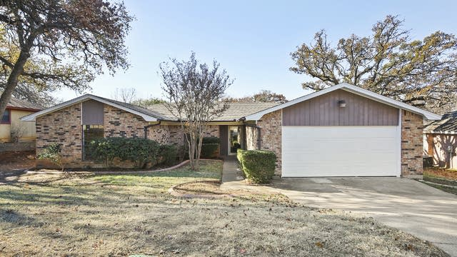 Photo 1 of 28 - 4606 Bellefontaine Ct, Arlington, TX 76017