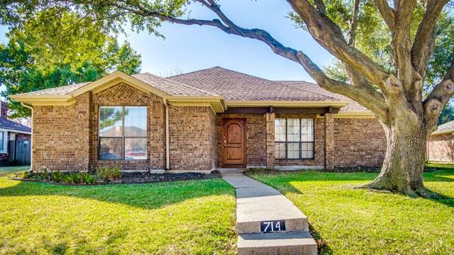 Photo 1 of 30 - 714 Echo Dr, Garland, TX 75040