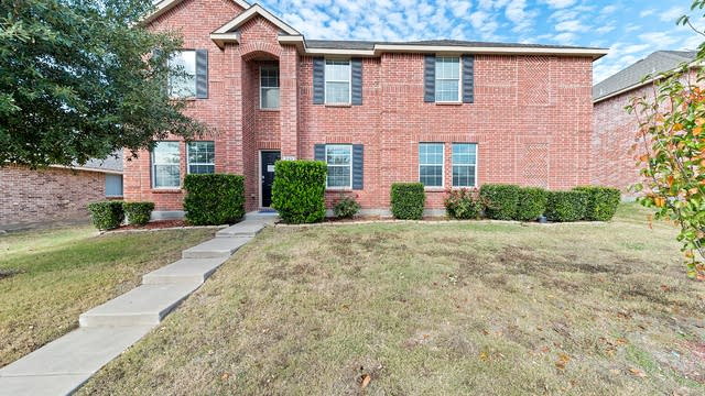 Photo 1 of 34 - 202 Rosewood Ct, Red Oak, TX 75154