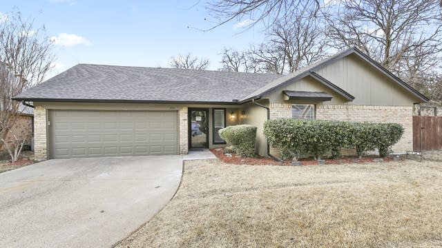 Photo 1 of 25 - 3703 Melstone Dr, Arlington, TX 76016