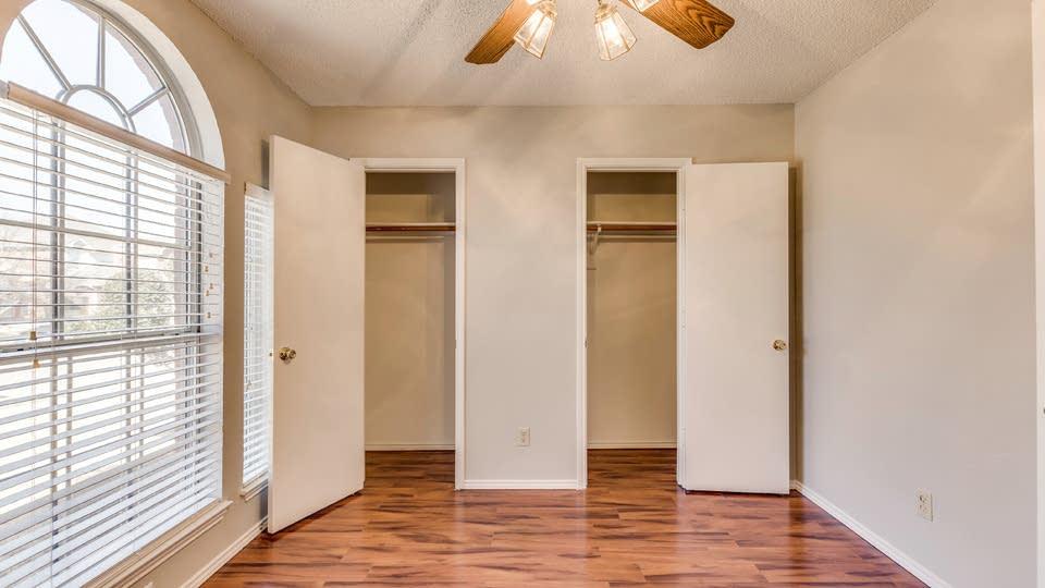1707 Creekbend Dr, Lewisville, TX 75067 | Opendoor