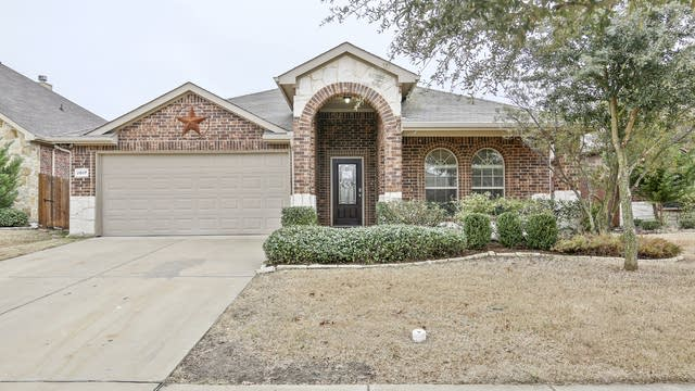 Photo 1 of 28 - 2017 Sterling Gate Dr, Heartland, TX 75126