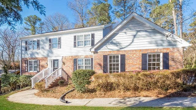 Photo 1 of 25 - 481 Johannah Pl SW, Lilburn, GA 30047