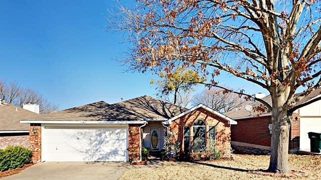 Photo 1 of 28 - 1108 Parker Ct, Cedar Hill, TX 75104