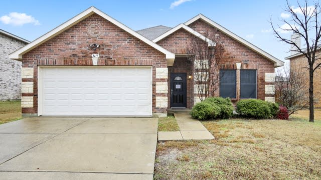Photo 1 of 26 - 8417 Shining Waters Ln, Arlington, TX 76002