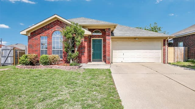 Photo 1 of 28 - 709 Stone Mesa Ct, Arlington, TX 76001