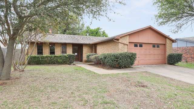 Photo 1 of 27 - 7600 Kingsmill Ter, Fort Worth, TX 76112