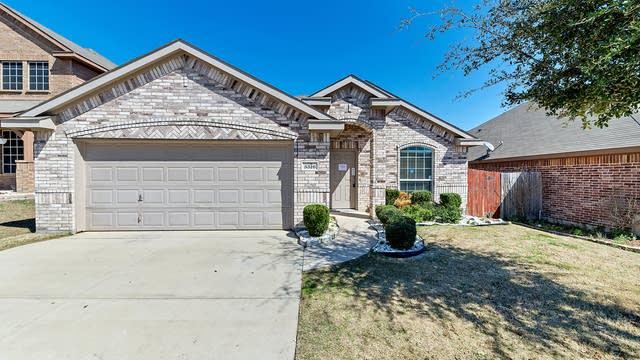 Photo 1 of 25 - 5516 Creek Hill Ln, Fort Worth, TX 76179