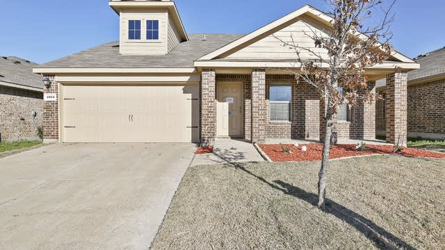 Photo 1 of 26 - 2015 Crosby Dr, Forney, TX 75126