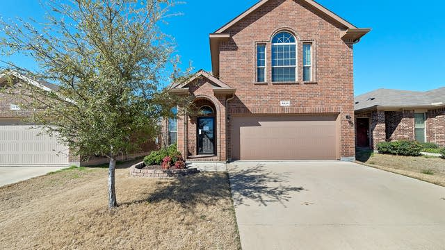 Photo 1 of 35 - 5221 Austin Ridge Dr, Fort Worth, TX 76179