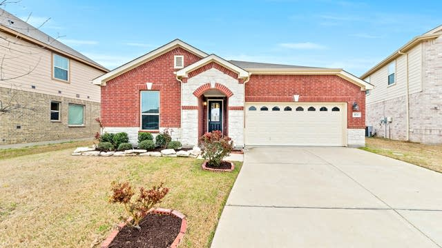 Photo 1 of 26 - 8737 Stone Valley Dr, Fort Worth, TX 76244