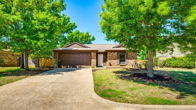 Photo 1 of 26 - 3629 Clearview Dr, Corinth, TX 76210