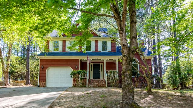 Photo 1 of 25 - 1816 Teabrook Ct, Raleigh, NC 27610