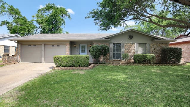 Photo 1 of 26 - 1048 W Cheryl Ave, Hurst, TX 76053