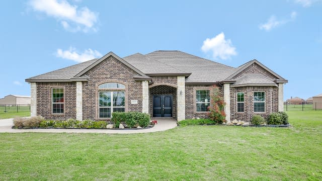 Photo 1 of 25 - 5675 Tim Donald Rd, Justin, TX 76247