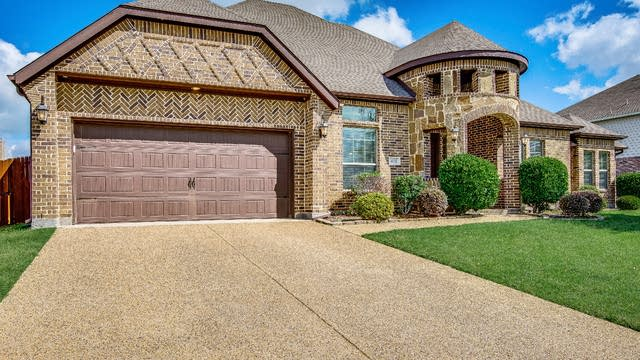 Photo 1 of 33 - 416 Edgewood Ct, Forney, TX 75126