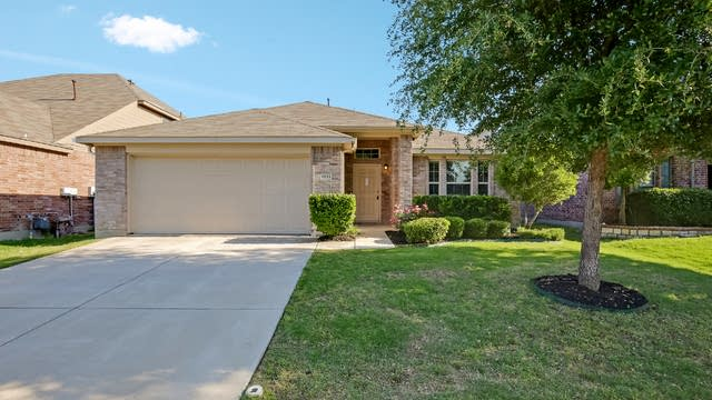 Photo 1 of 26 - 9133 Brook Hill Ln, Fort Worth, TX 76244