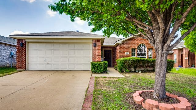 Photo 1 of 27 - 501 Port O Conner Dr, Little Elm, TX 75068