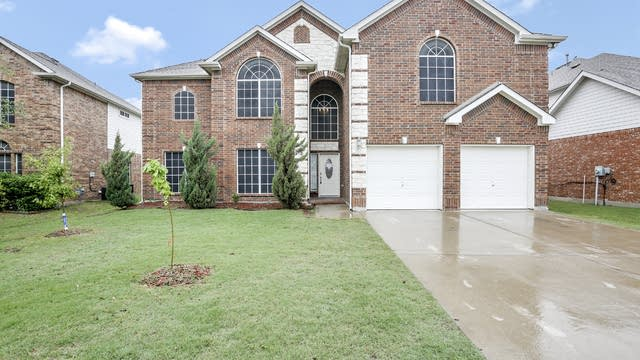 Photo 1 of 27 - 5259 W Cove Way, Grand Prairie, TX 75052
