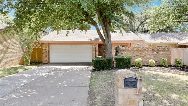 Photo 1 of 26 - 1609 Grandview Dr, Arlington, TX 76012