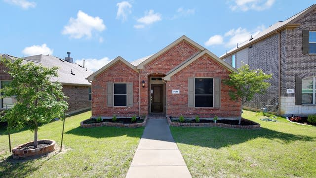 Photo 1 of 27 - 8436 Gentian Dr, Fort Worth, TX 76123