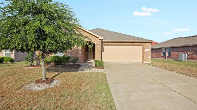 Photo 1 of 26 - 1319 Newton Dr, Cedar Hill, TX 75104