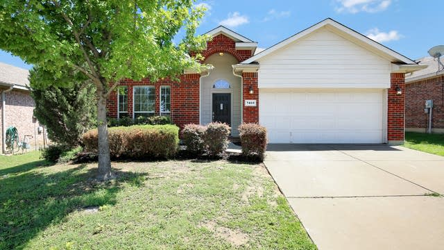 Photo 1 of 26 - 7468 Maroon Dr, Fort Worth, TX 76120