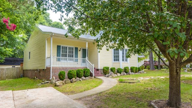 Photo 1 of 15 - 4608 River Edge Dr, Raleigh, NC 27604