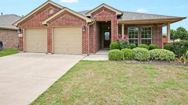 Photo 1 of 27 - 645 Swift Current Dr, Crowley, TX 76036
