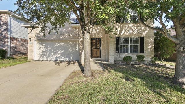 Photo 1 of 28 - 13509 Lost Spurs Rd, Roanoke, TX 76262