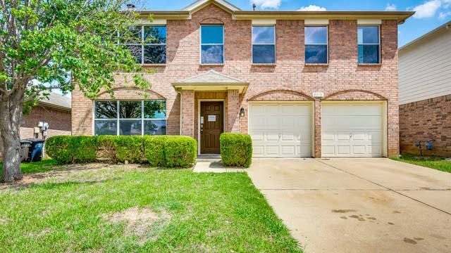 Photo 1 of 32 - 8312 Horse Whisper Ln, Fort Worth, TX 76131